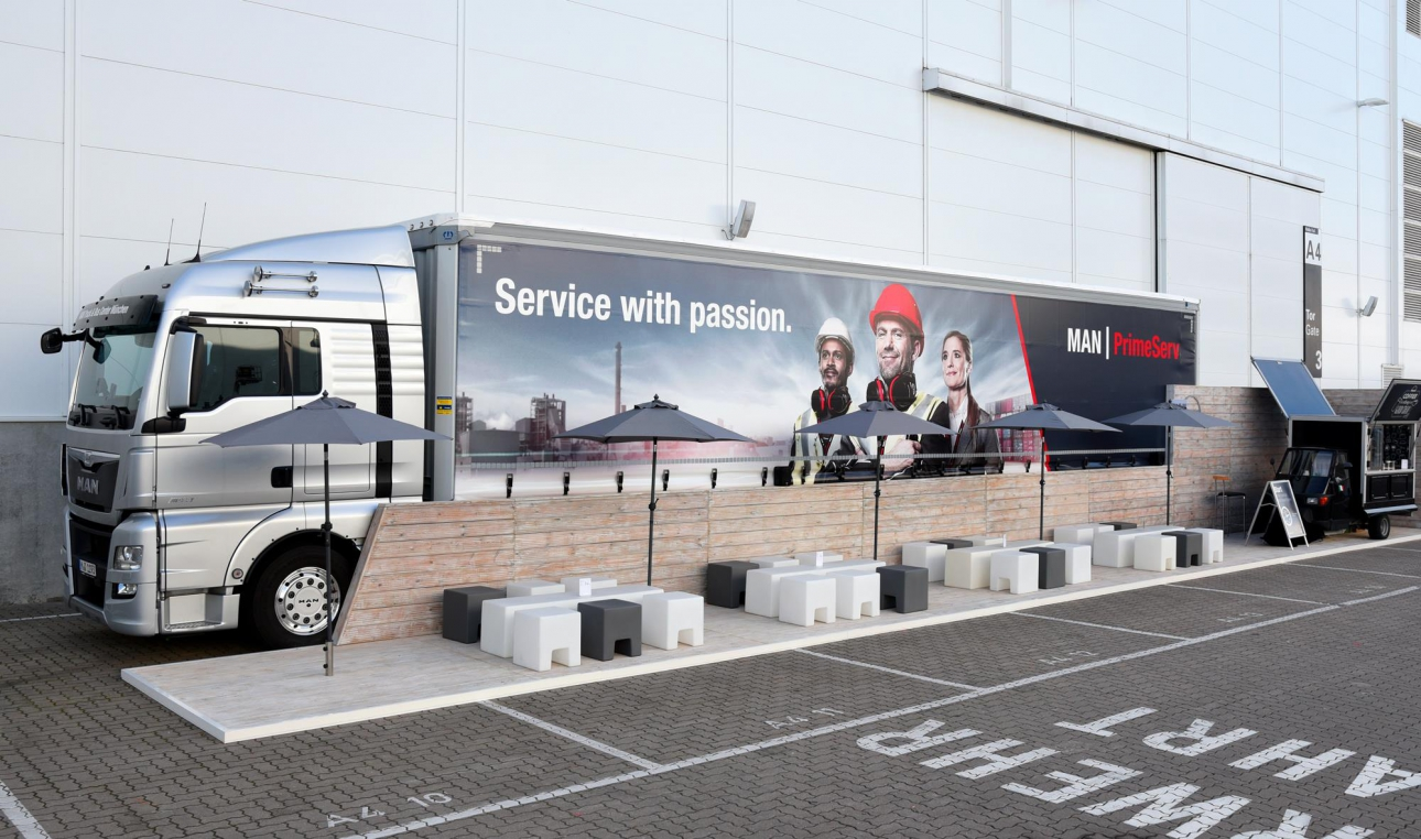 MAN-PrimeServ-Key-Visual-Show-Truck
