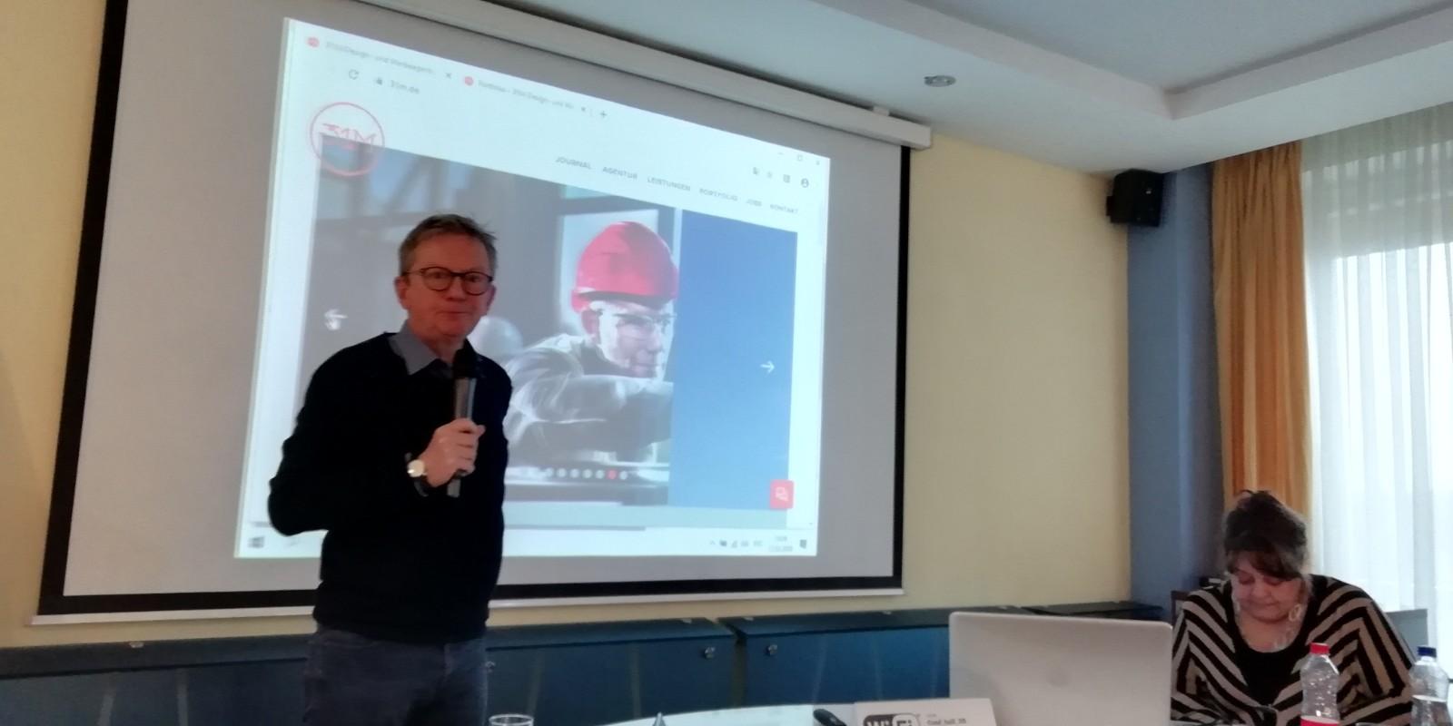 Dieter Rehmann, 31M Geschäftsführer bei seinem Vortrag zum Thema Fundraising und Non-Profit-Kommunikation bei seinem