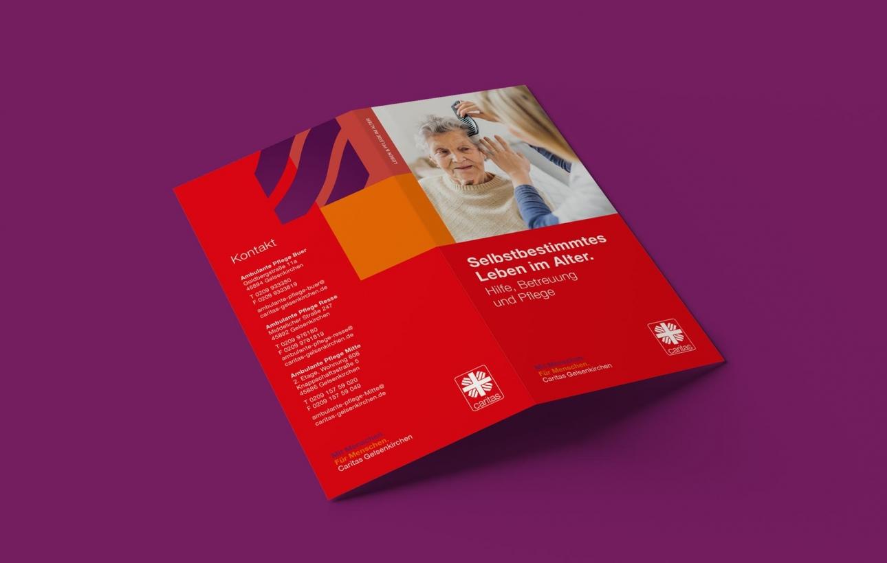 Flyeraußenseiten der Caritas Gelsenkirchen im neuen Corporate Design