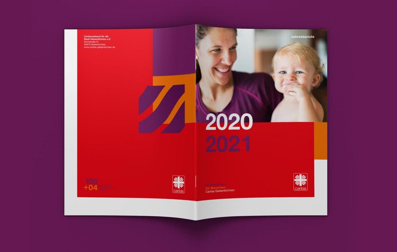 Broschüren Cover Jahresbericht